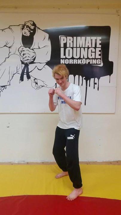 Stort grattis till vår Aron Walleoth som igår slutförde sin BJJ Steg 1 kurs!  My…