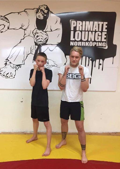 Stort grattis till vår Marcus Tjalve som idag slutförde sin MMA/Thaiboxning Steg…