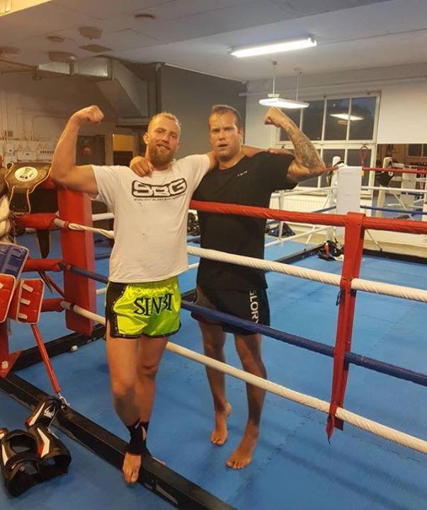 Stort grattis till vår fighter Tom som igår flyttades upp till Steg 3 i Thaiboxn…
