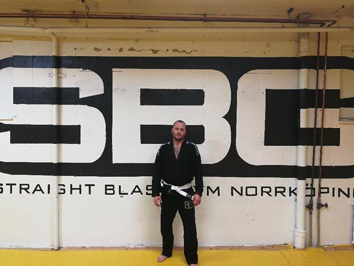 Stort grattis till vår Peter Karlsson som idag slutförde sin BJJ Steg 1 kurs.  P…