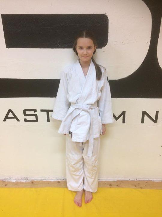 Stort grattis till vår Jennifer som fick sitt första streck på det vita bältet i…