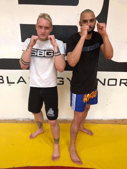 Grattis till vår Benjamin som i Torsdags slutförde sin MMA/Thaiboxning steg 1 ku…