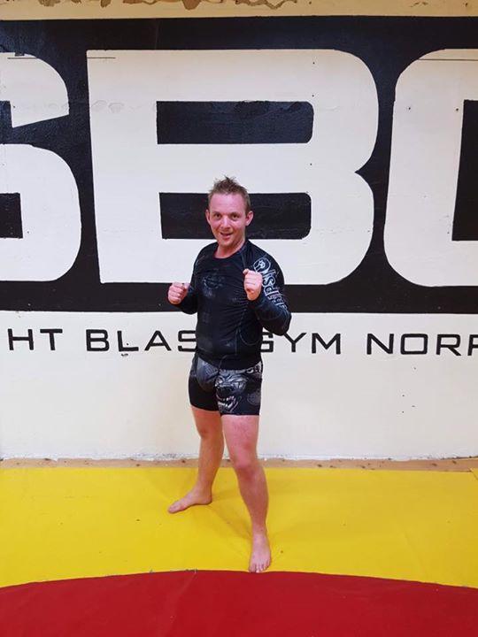 Stort grattis till Henrik Pålsson som igår flyttades upp i MMA Steg 3! Henrik ha…