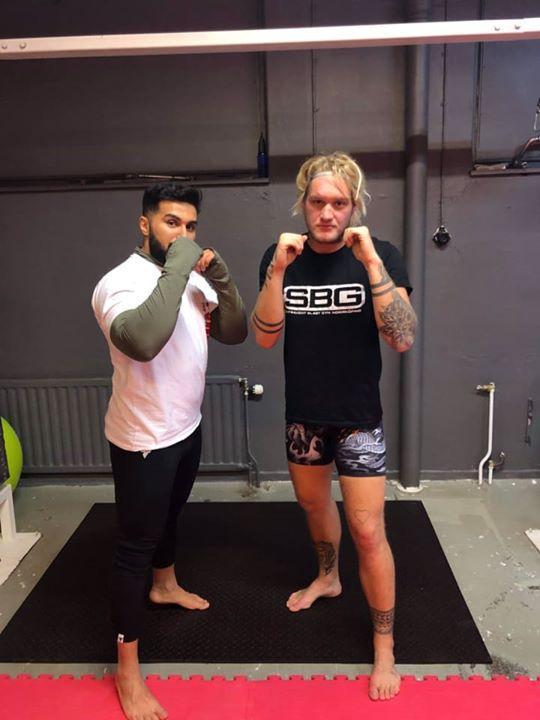 Stort grattis till vår Nawras Dawoud som igår slutförde sin MMA/Thaiboxning Steg…