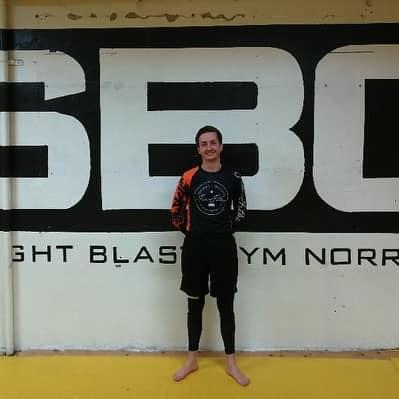 Stort grattis till Oliver Hjelm som igår slutförde sin BJJ Steg 1 kurs!   Bra jo…