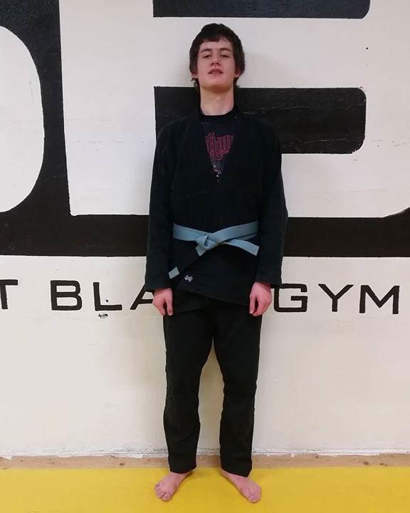 Stort grattis till vår Oliver Nordell som igår graderades till grått bälte i BJJ…